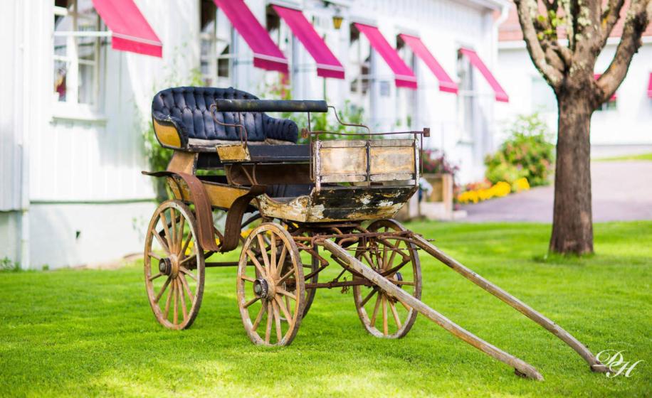 exteriör med vagn vid Dömle herrgård